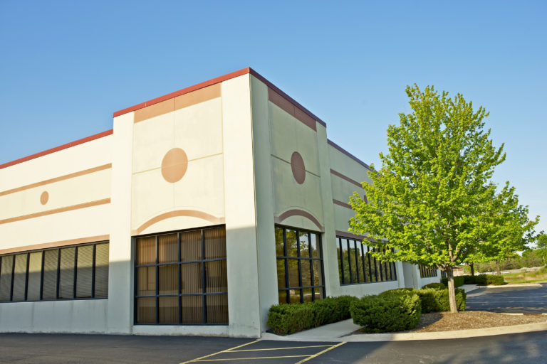 Should you buy or lease a commercial property? Learn about the 7 factors that will help you determine which is better for your business.